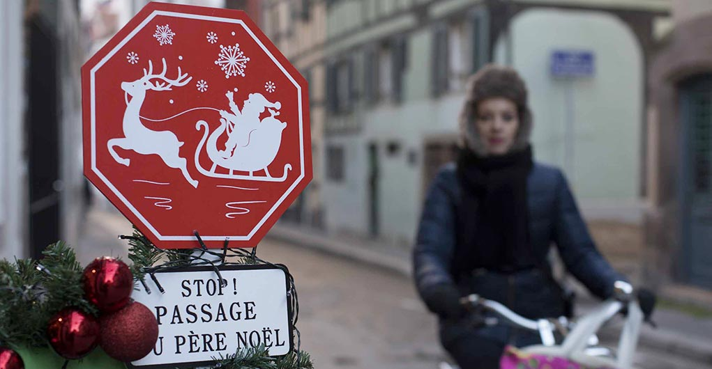 Zugang zum Weihnachtsmarkt