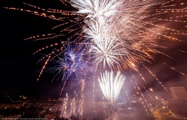 feu d'artifice fête nationale du 14 juillet Strasbourg